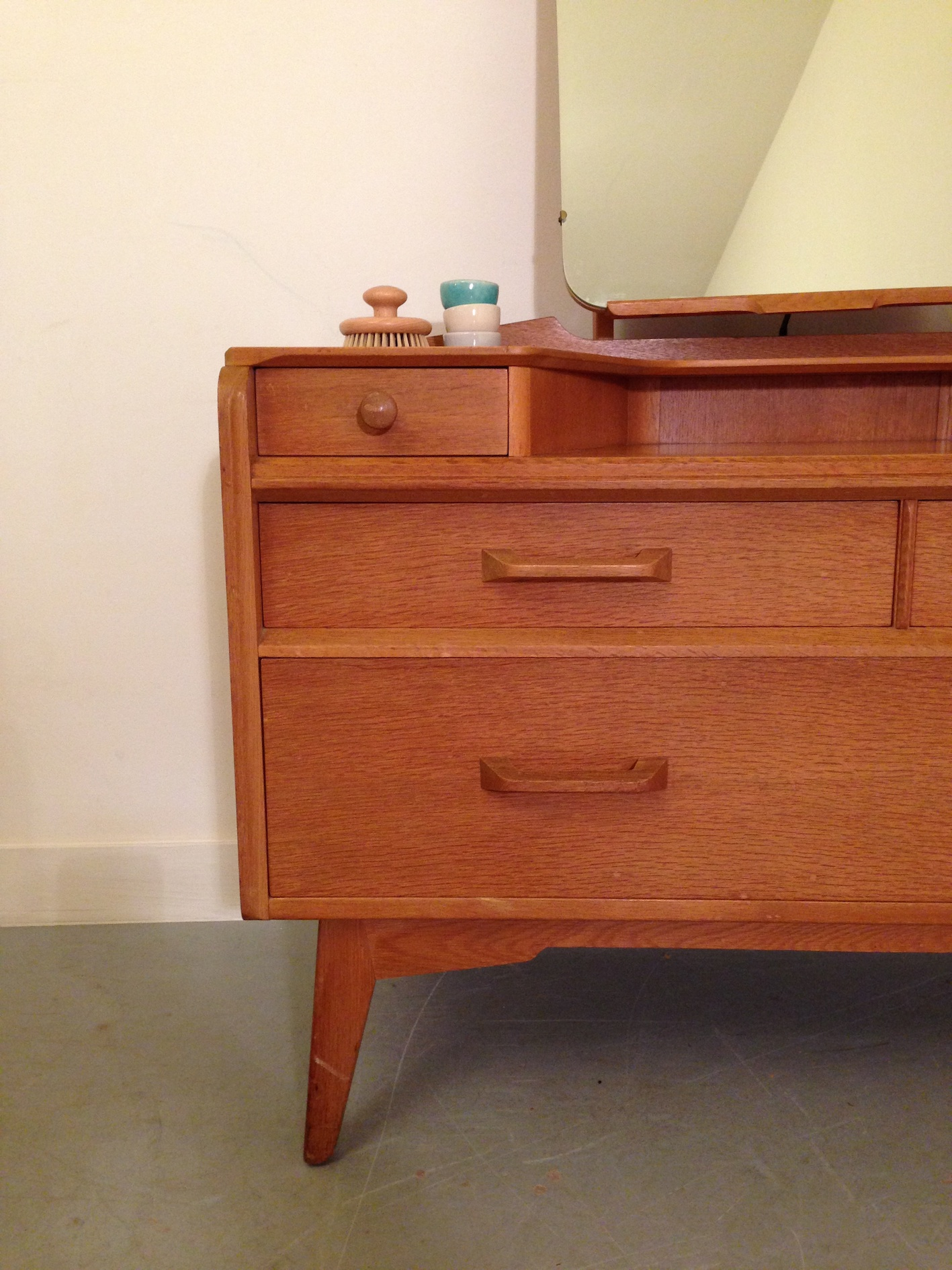commode vintage coiffeuse